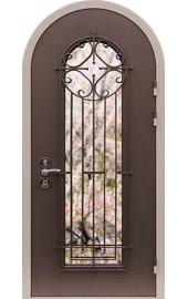 входная арочная дверь со стеклом и решеткой