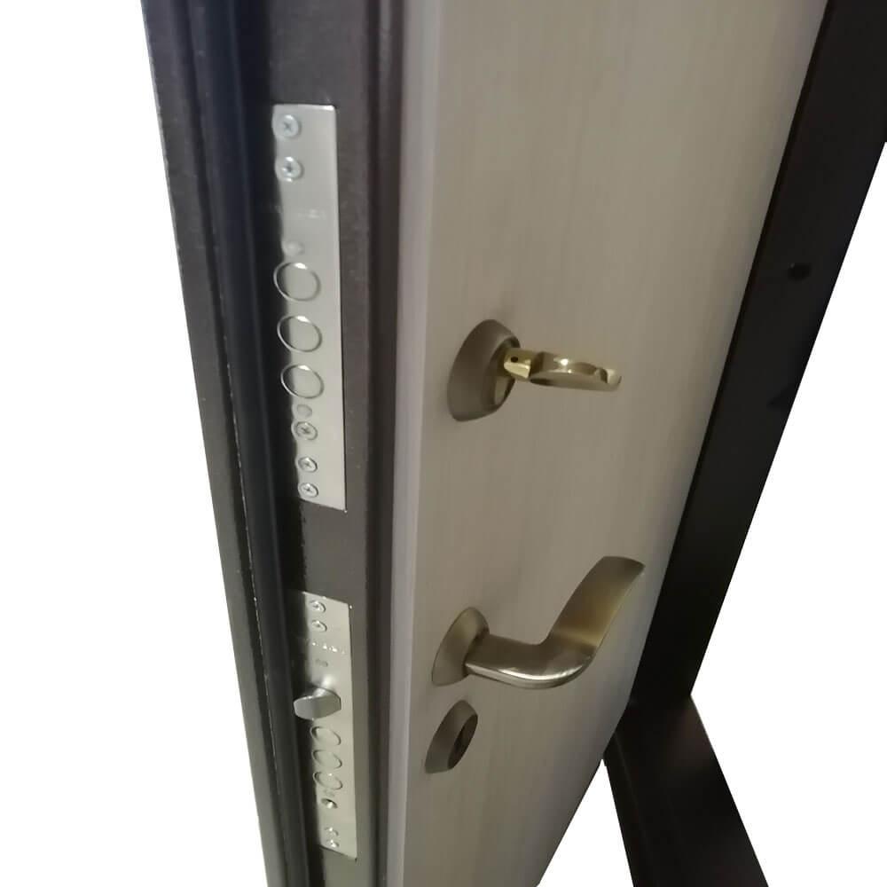 Входная дверь М-1 антик медь / сосна скания милк
